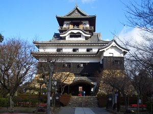 Inuyama Castle in spring